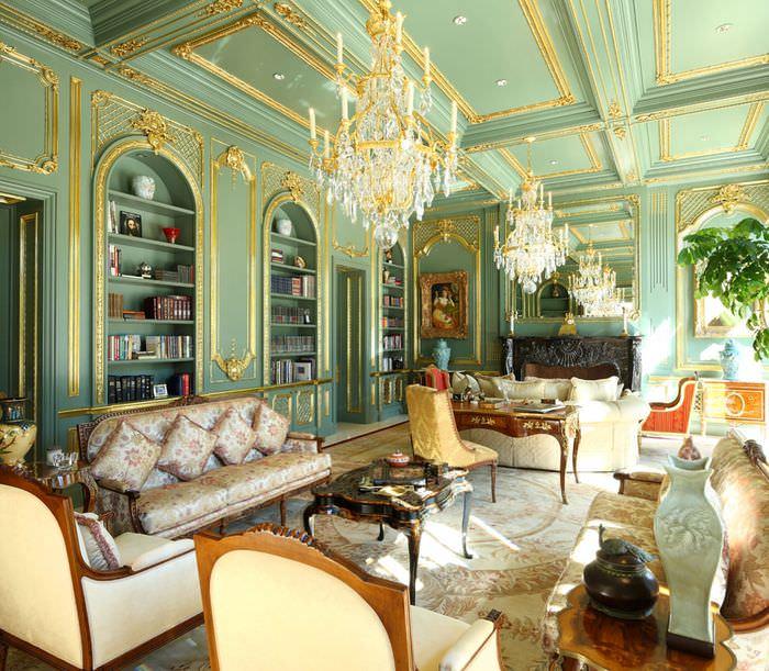 Гостиная в классическом стиле в мятных тонах