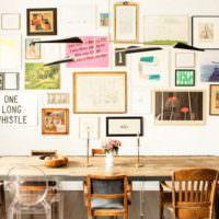 Оформление стены над обеденным столом надписями и картинами