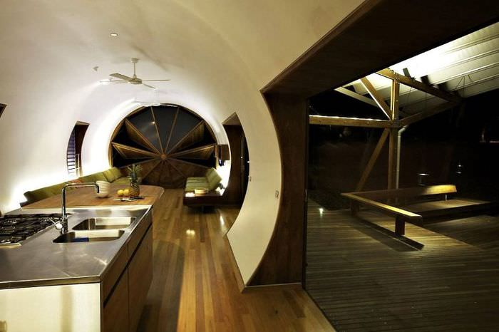 Необычный дизайн современной гостиной