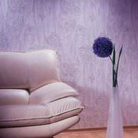 Крупные цветки на обоях под покраску
