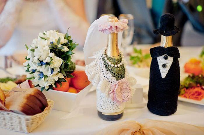 Оформление шампанского своими руками в наряды невесты и жениха