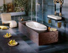 Дизайн большой ванны в средиземноморском стиле