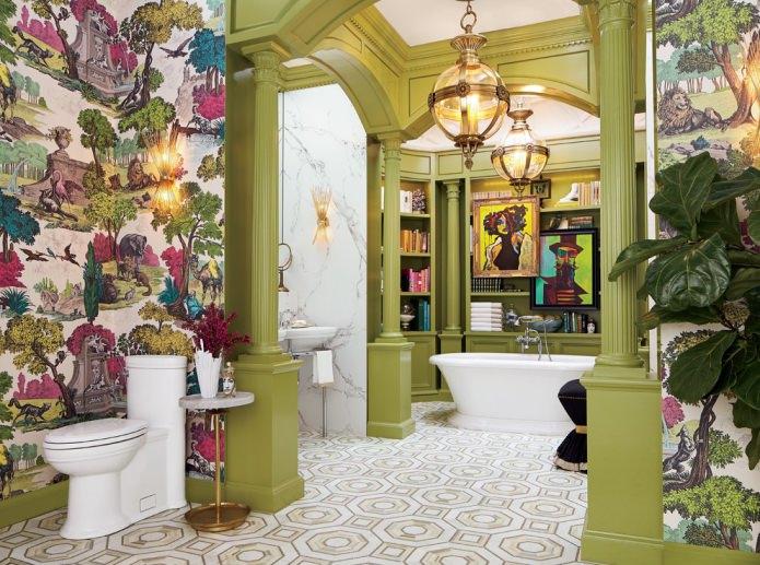 Дизайн ванной комнаты с оливковыми колоннами и белой сантехникой