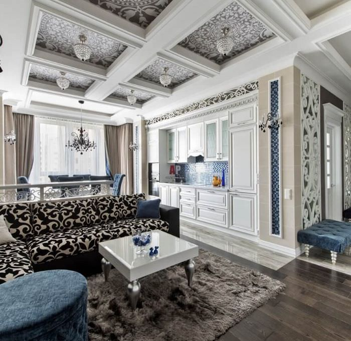 Потолок с рельефными балками в гостиной неоклассического стиля