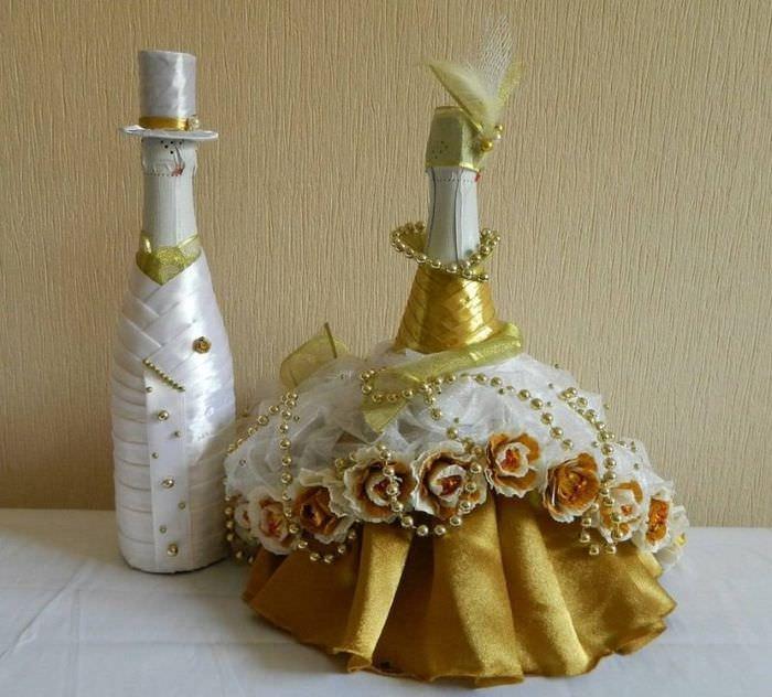 Бутылка шампанского в нарядном платье невесты своими руками