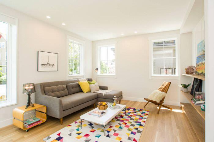 Современная гостиная в модном стиле минимализма