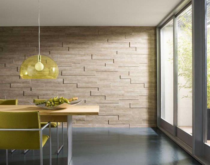Отделка стены декоративными панелями из дерева