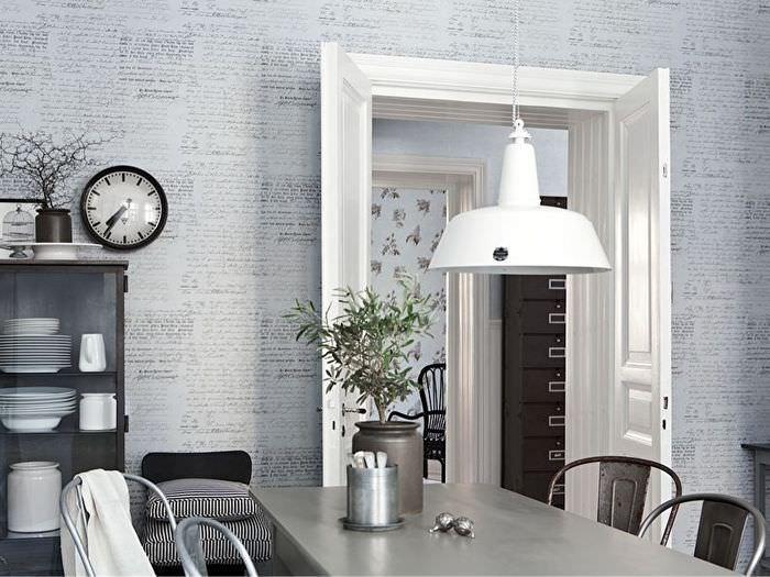 Дизайн кухонных стен со светлыми обоями