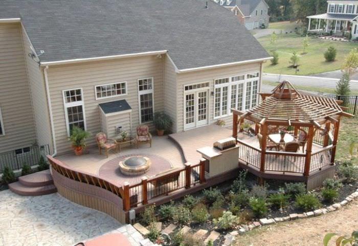 Комбинированная терраса загородного дома