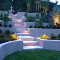 Ночная подсветка бетонных террас