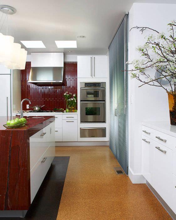 Линолеум в интерьере кухонного пространства