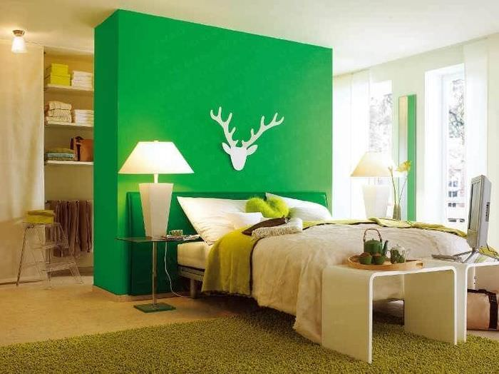Зеленый цвет в дизайне спальной комнаты