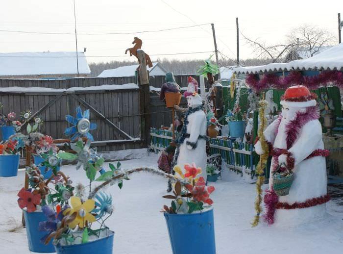 Красивое оформление частного двора в зимний период