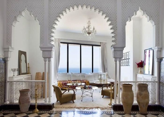 Арки в интерьере гостиной восточного стиля