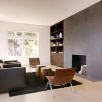 Темная мебель в светлой гостиной