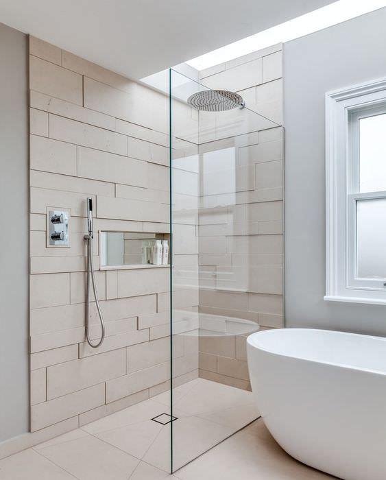 Душевая кабина в ванной комнате в стиле контемпорари