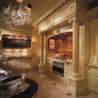 Колонны в оформлении интерьера кухни классического стиля