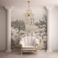 Кресло в классическом стиле между античными колоннами