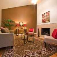 Выделение акцентной стены коричневым цветом