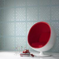 Красно-белое кресло шаровидной формы