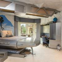 Кровать в форме межзвездного корабля