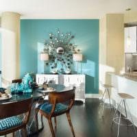 Красивое декорирование стены на кухне