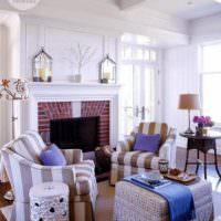 Камин в дизайне светлой гостиной