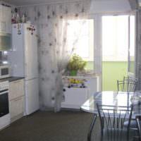 Современная кухня с дверью на балкон