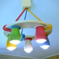 Люстра с плафонами из цветных веревок