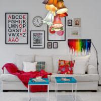 Люстра с яркими текстильными плафонами