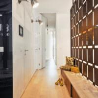 Освещение вытянутого коридора частном доме
