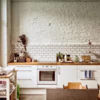 Кирпичная кладки в декорировании кухни