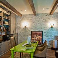 Зеленый стол в обеденной зоне