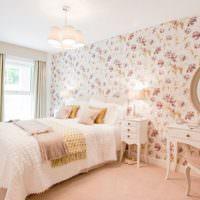 Спальня в кремовом цвете для девушки