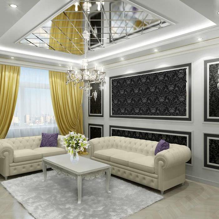 Интерьер небольшого зала частного дома с натяжным потолком глянцевого типа