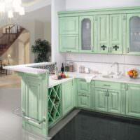 Кухонный гарнитур с фасадами мятного цвета