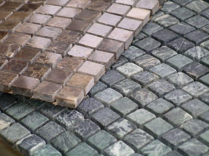 Листы керамической мозаики квадратной формы для отделки ванной