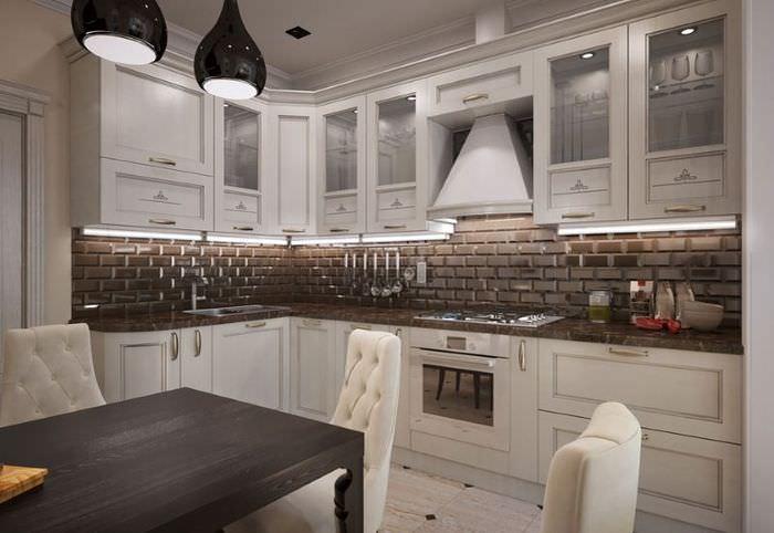 Кухонный гарнитур в классическом стиле в пастельных тонах