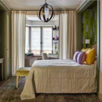 Желтые подушки на кровати девочки подростка