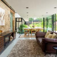 Застекленная веранда загородного дома