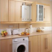 Стиральная машина на кухне с газовой колонкой