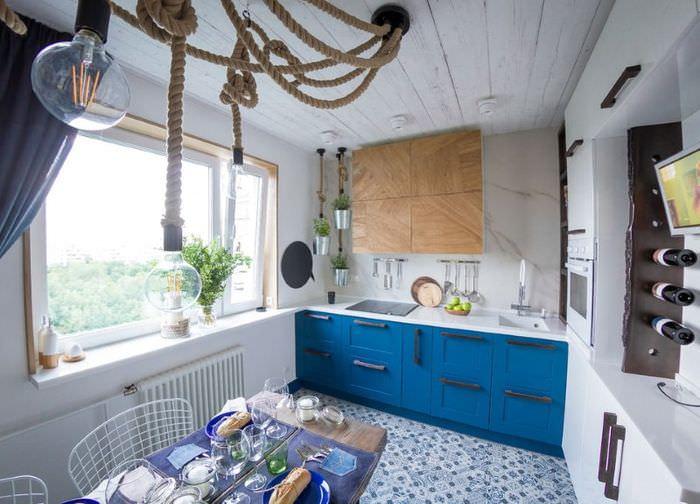 Декорирование пространства кухни городской квартиры в морском стиле