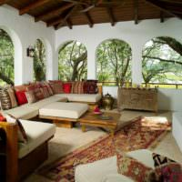 Терраса загородного дома в марокканском стиле