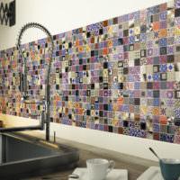 Мозаичный фартук на кухне в восточном стиле