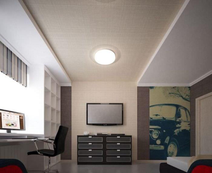 Декорирование стен и потолка гостиной мешковиной своими руками
