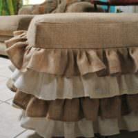 Драпировка мягкой мебели натуральной мешковиной