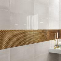 Золотистая мозаика в современной ванной