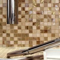 Стеклянная мозаика в дизайне ванной