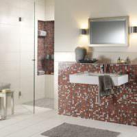 Выделение умывальника керамической мозаикой