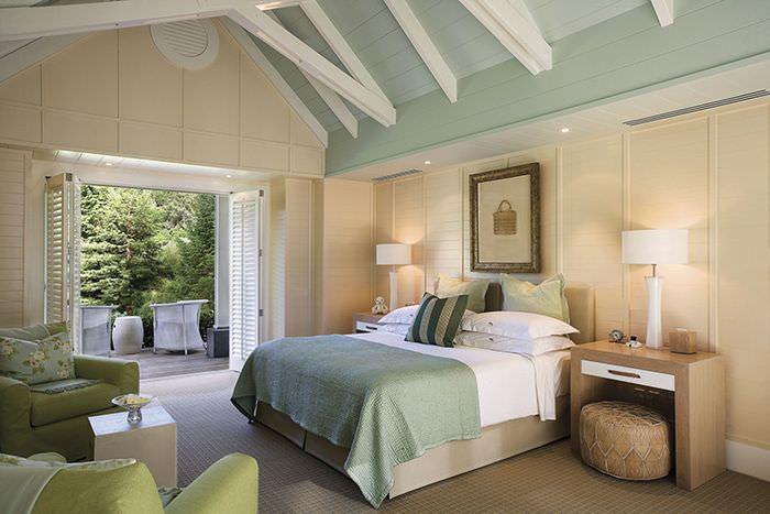 Интерьер спальни в мятных оттенках